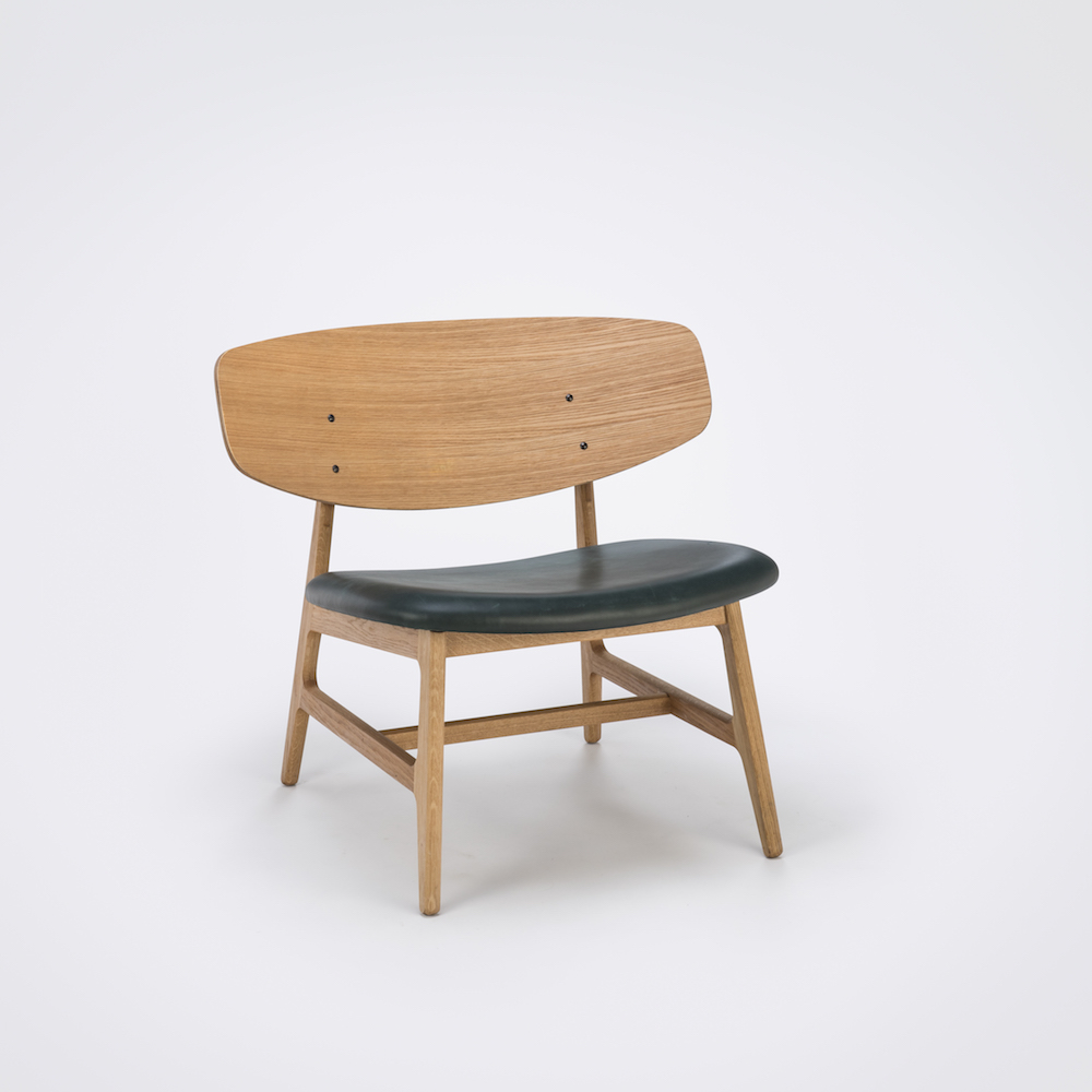 LOUNGE CHAIR // Oiled Veneer Oak Back // Dark Green Leather // Solid Oiled Oak Frame