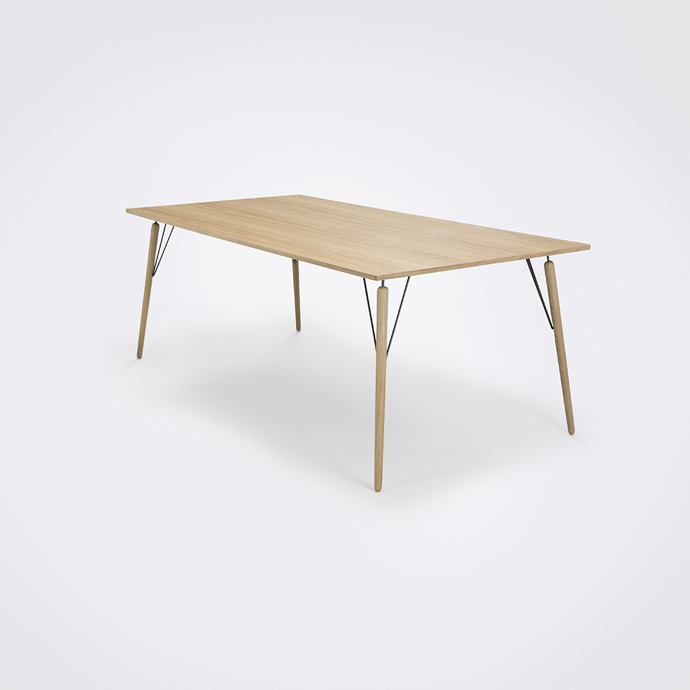 DINING TABLE 160cm // Oiled Oak Veneer