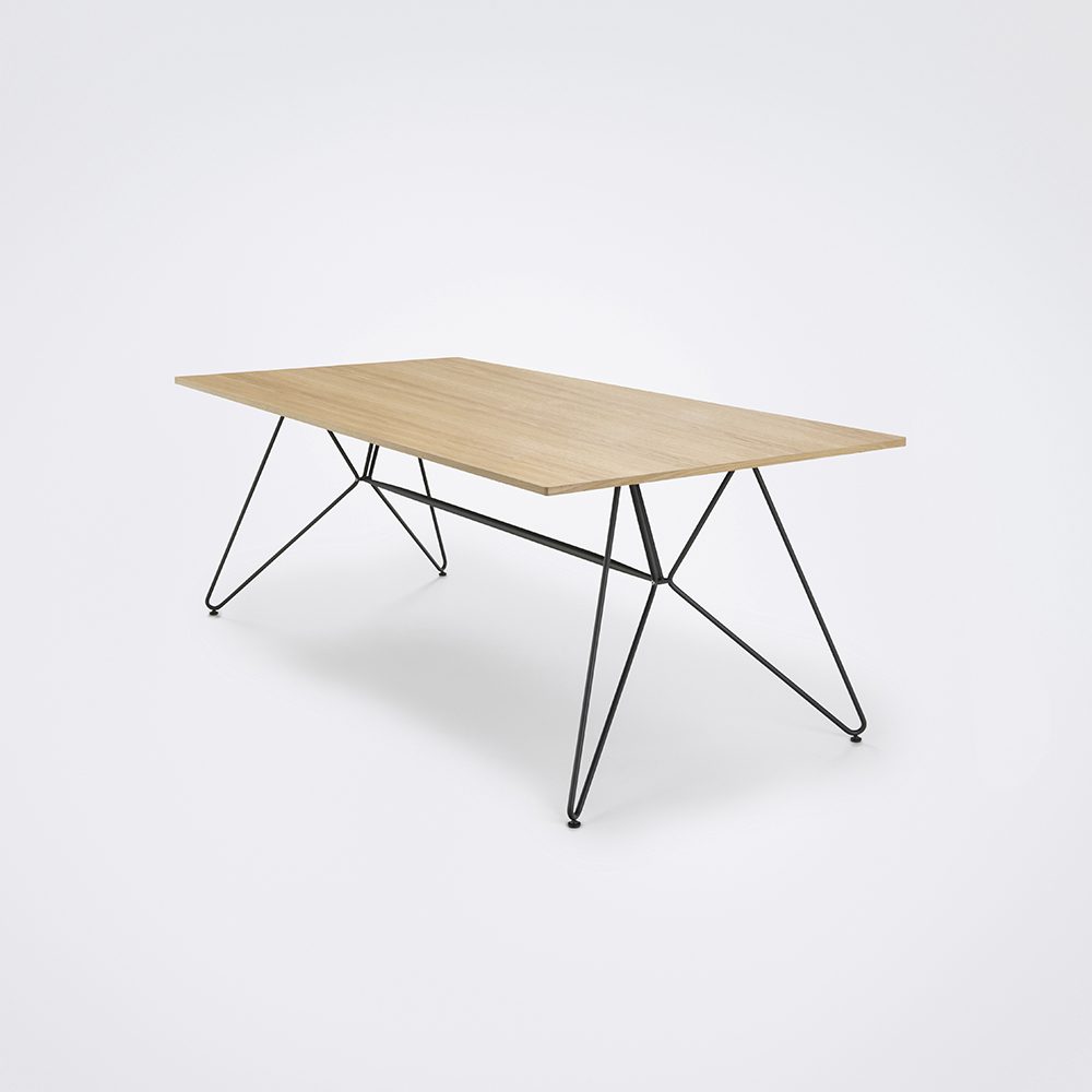 Sketch Dining Table oak edge