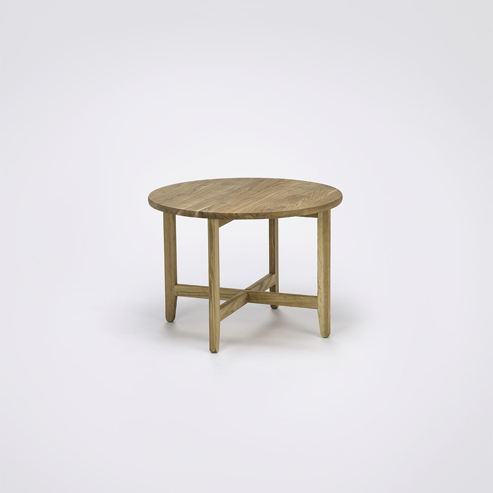 LOUNGE TABLE Ø60 // Oiled Oak // Legs in Oiled Oak