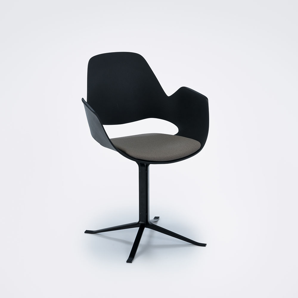 FALK with armrest and padded seat CENTER