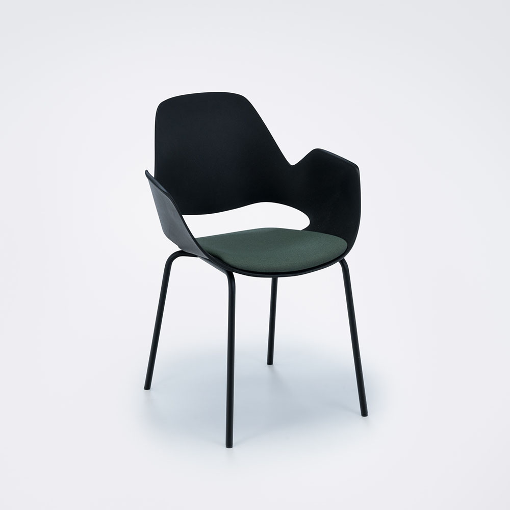 DINING ARMCHAIR WITH PADDED SEAT // Black/dark green// Black metal legs