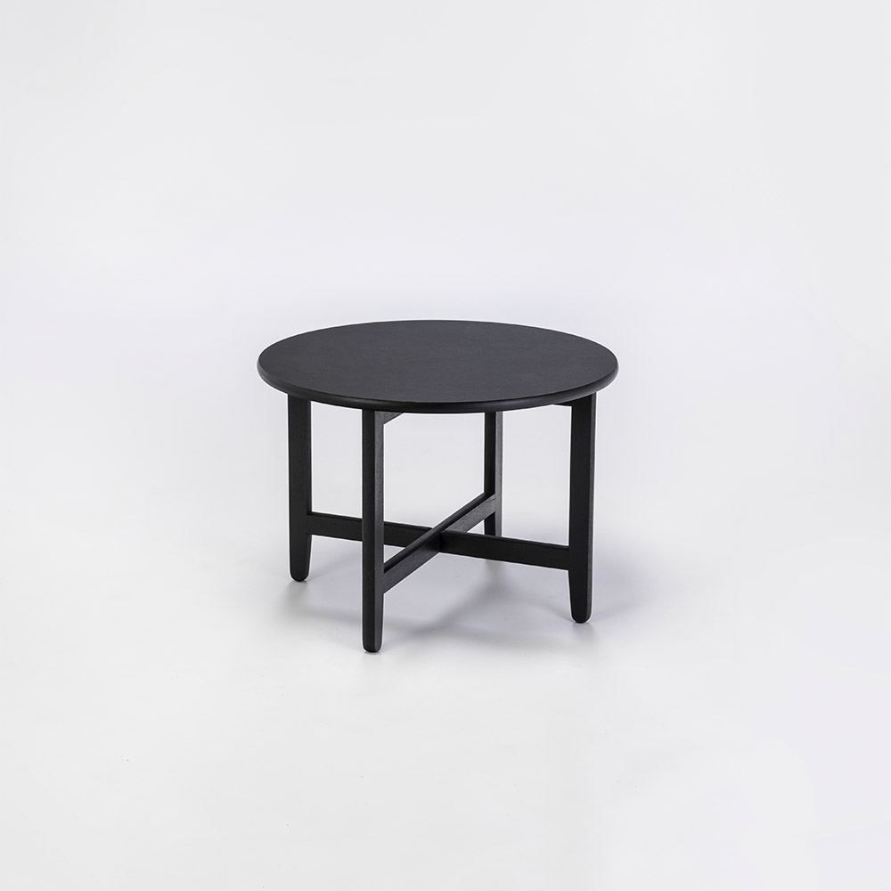 LOUNGE TABLE Ø60 // Black Linoleum // Legs in black stained oak