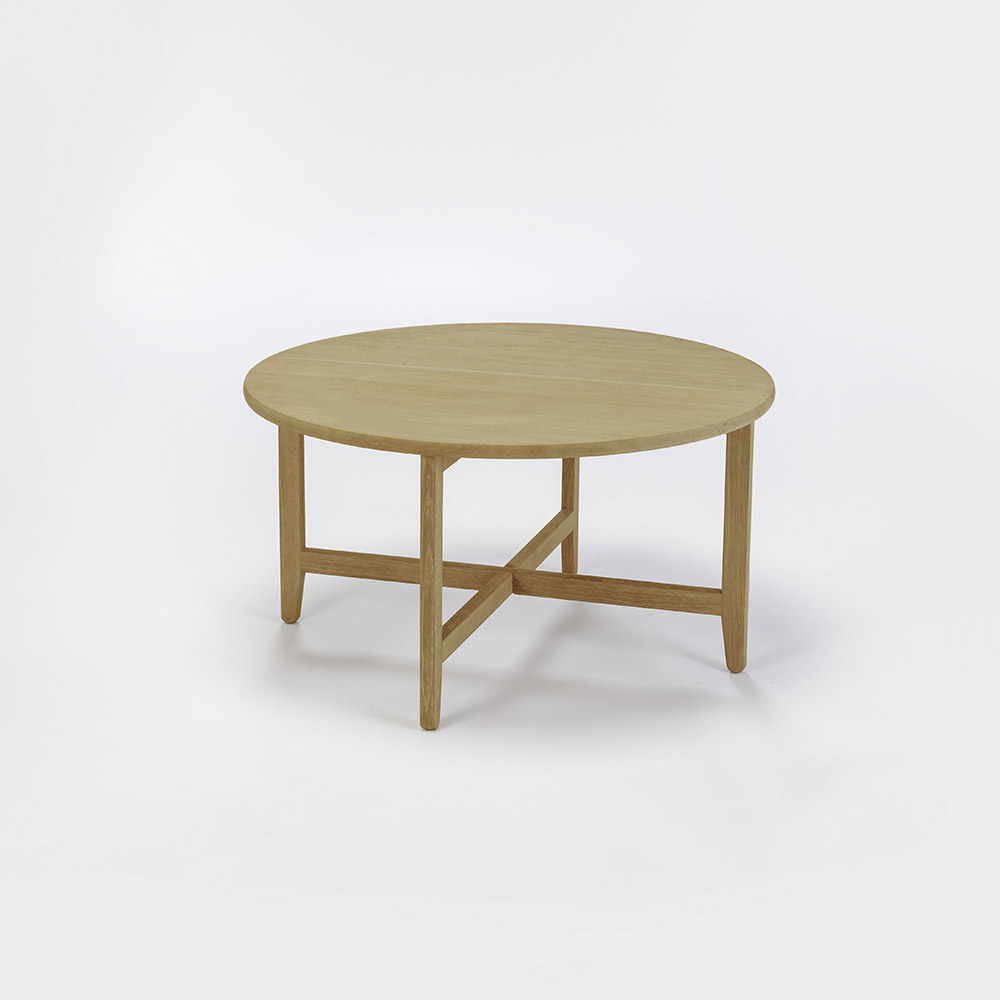 LOUNGE TABLE Ø80  // Oiled Oak // legs in Oiled Oak
