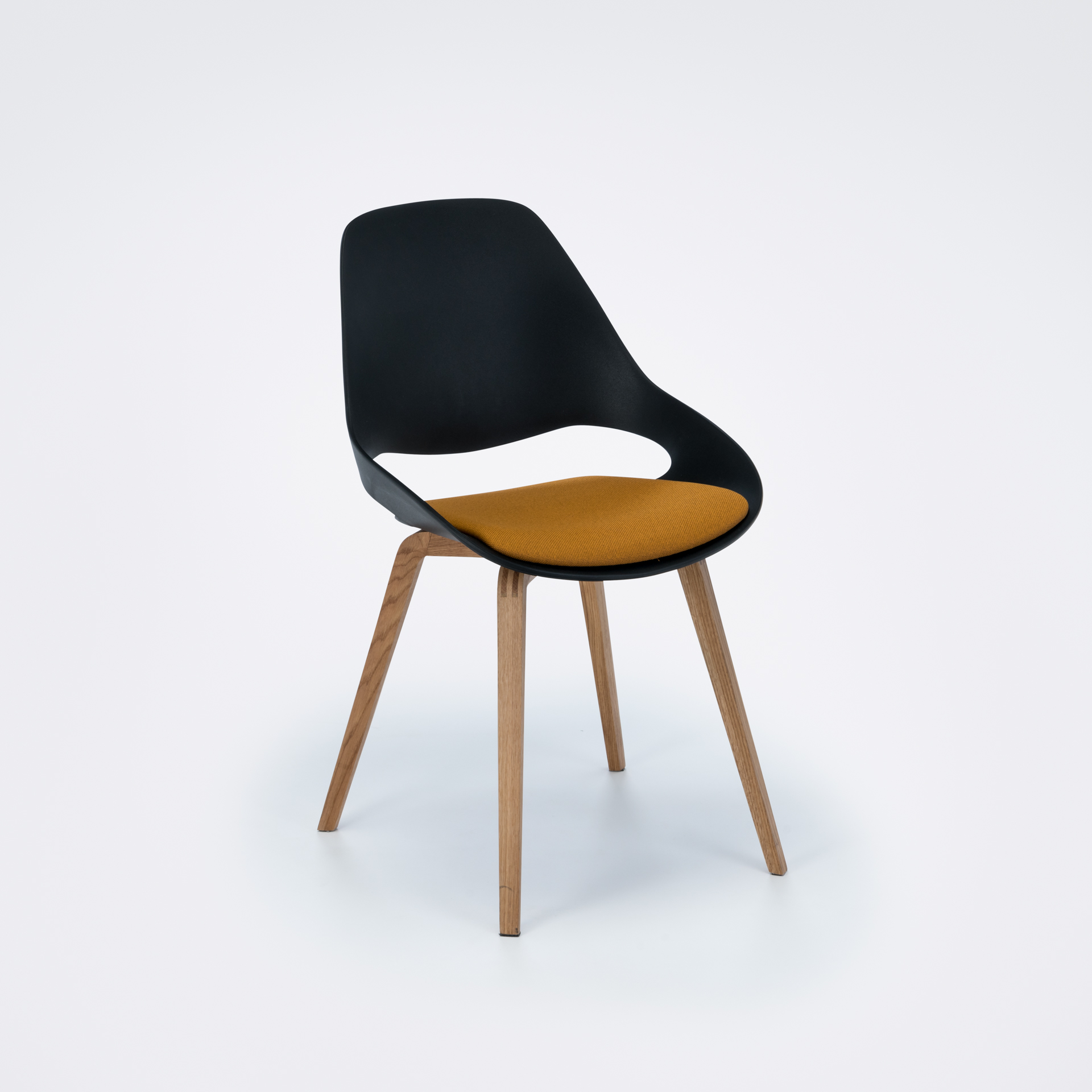 DINING CHAIR // PADDED SEAT // Black/amber // Oiled Oak legs
