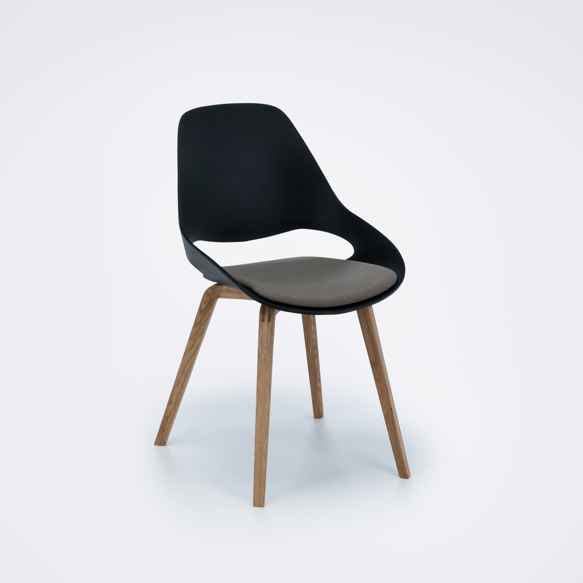 DINING CHAIR // PADDED SEAT // Black/clay // Oiled Oak legs