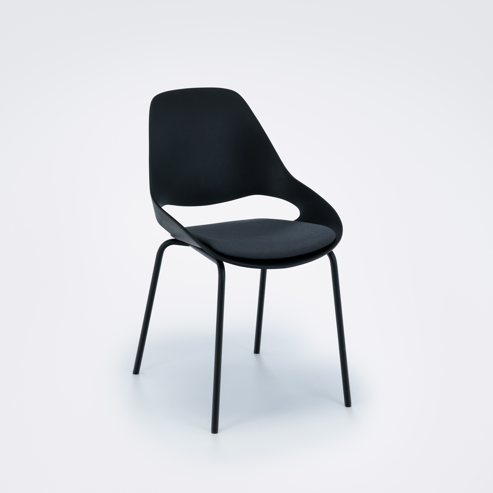 DINING CHAIR WITH PADDED SEAT // Black/ carbon grey // Black metal legs